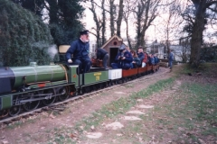 Sir Sagramore in steam with carriages full of passengers